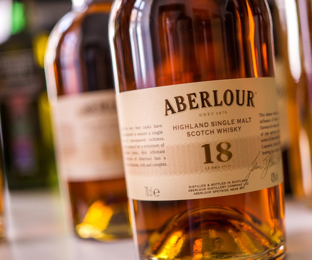"""fc9ef6e580e0 Do barových whisky políc opäť zavial osviežujúci """"limitkový"""" vetrík ..."""